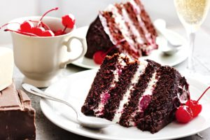 How to Make Black Forest Cake without Oven?